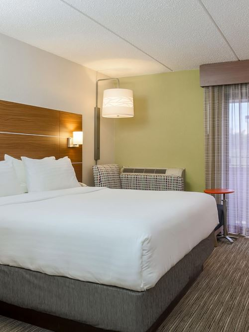 Holiday Inn Express Milwaukee West - Medical Center