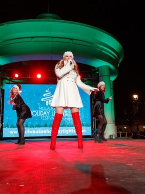 Milwaukee Holiday Lights Festival Kickoff Extravaganza